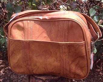 70s Vintage American Tourister Escort Overnight Shoulder Bag Carry On Tan Vegan Leather, 70's Vintage Luggage, 70s Vintage Travel Bag