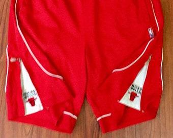 90s Vintage Official NBA Chicago BULLS Zipway Basketball Shorts, Tear Away Shorts, Basketball Shorts NBA Vintage, Chicago Bulls Vintage
