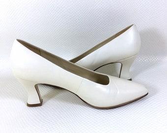 90s Vintage Nine West Dalton Spool Heels Pumps 7M, 90s Low Stack Heels, Y2K Vintage Square Toe Pumps, 90s Vintage Chunky Heel Pumps 7M