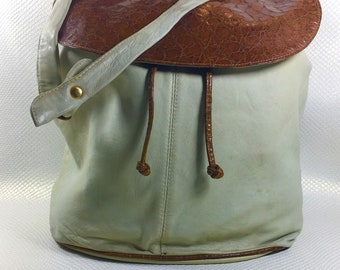 90s Vintage Bullocks Ivory & Tan Leather Messenger Bag, Vintage Leather Backpack, Vintage Bullocks, Beige Leather Satchel, Bullocks Bag