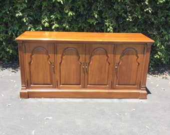 Vintage Neoclassical Davis Cabinet Company Solid Walnut Buffet Server Sideboard Console, Vintage Walnut Sideboard, Vintage Walnut Console