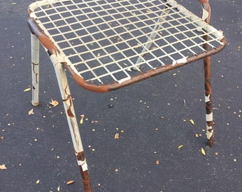 Vintage Mid Century Modern Salterini Style Metal Wire Outdoor Patio Furniture Ottoman, Footstool, Footrest, Table
