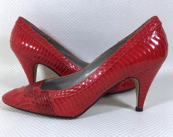 80s Vintage Womens Red Snake Skin Leather Pointed Toe Pumps Stiletto Heels 7, Red Cobra Snake Skin Heels 7, Vintage Red Leather Heels 7