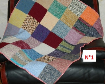 7f16632f904 Couverture N1 tricotée Vintage Fait Main Multicolore 1980. dimensions 114  cm x 104cm.knitted cover FRENCH VINTAGE 44