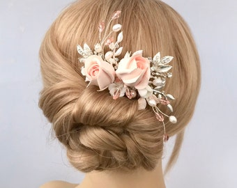 Bridal hair comb, Blush pink rosebud hair accessories for Bride Bridesmaid Mother of the Bride , Flower hairpiece, Crystal hair comb