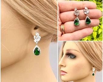 Bridal earrings, Emerald green crystal earrings, Cubic zirconia, Bridesmaid earrings, Mother of the bride, Bridal jewelry, Drop earrings