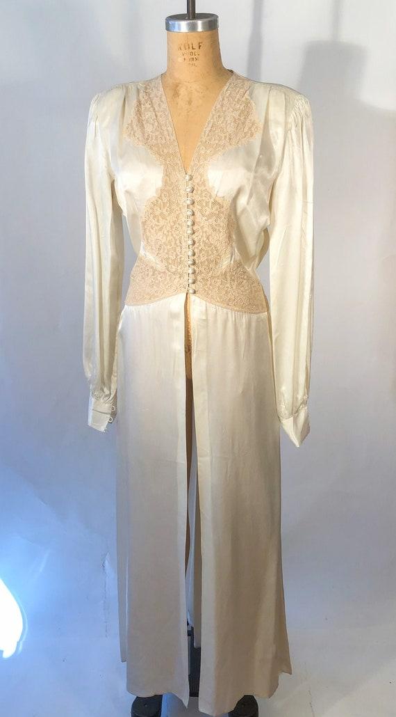 Vintage 1930s Satin Lounge Neglegee Robe