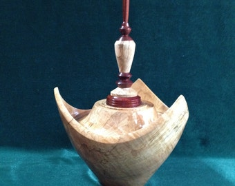411 UNIQUE.70 cu.in. Sugar maple3-Cornered Hollow Vessel which can be an urn. HANDTURNED lightweight