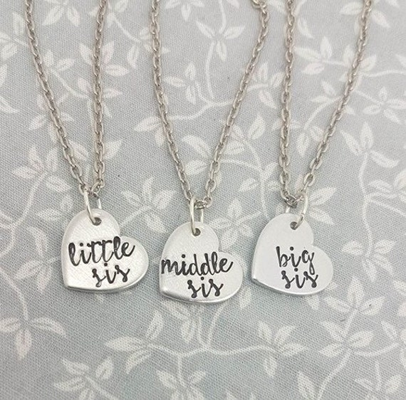 2x Necklaces for sisters. Little Sis Sister Necklaces Big Sis