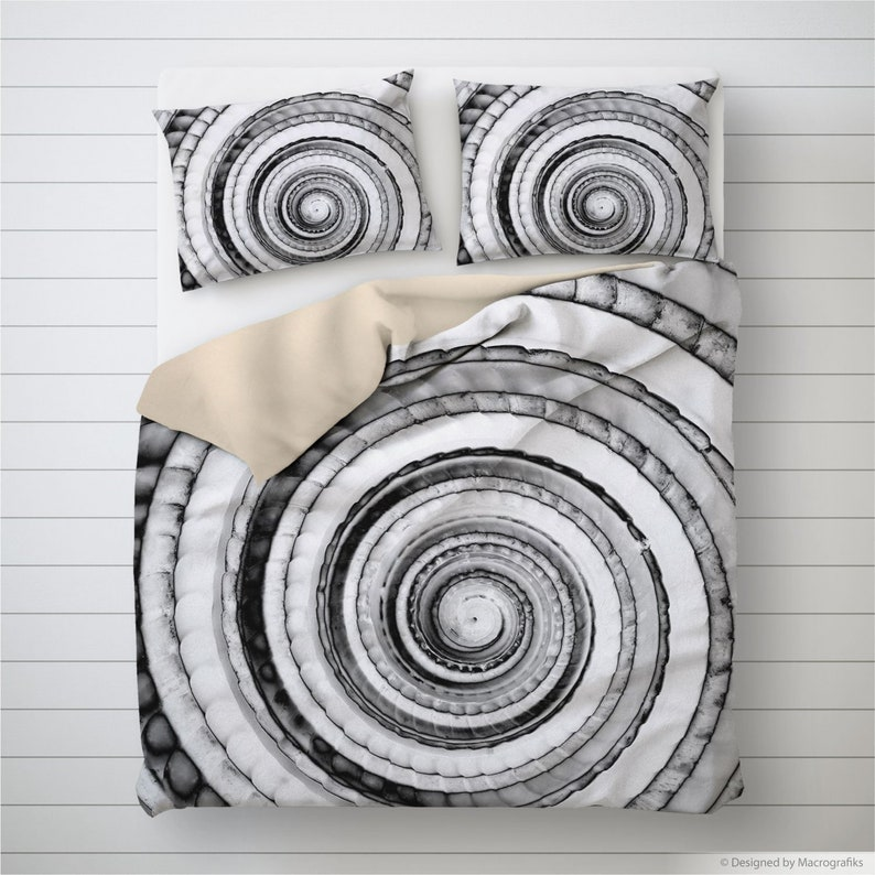 Seashell duvet cover Nautical design black and white image 0