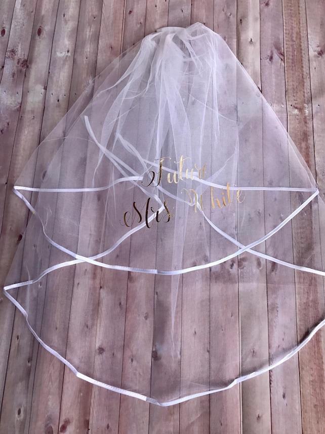 Custom Bachelorette Veil, Personalized  Veil, Bachelorette Party Veil, Bride to Be Veil, Bachelorette Party Accessories, Future Mrs Veil