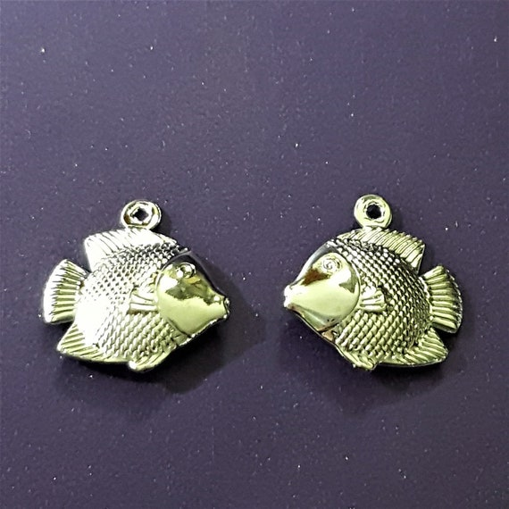 Tibetan Style 10mm 20 Fish Charms Silver Colour