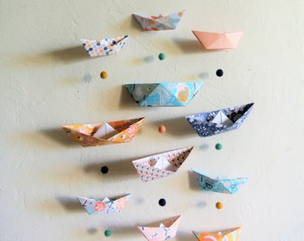 Mobile MULTI-coloured wall - Leewalia - interior decoration - baby child's bedroom - origami folding - birth - wall decoration