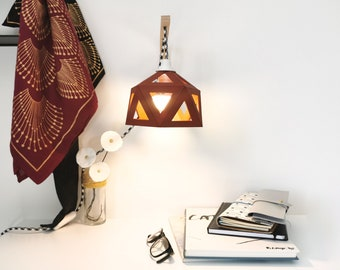 Bordeaux origami wall - Leewalia - bedside lamp - wall lamp - reader - design lamp - geometric graphic lamp