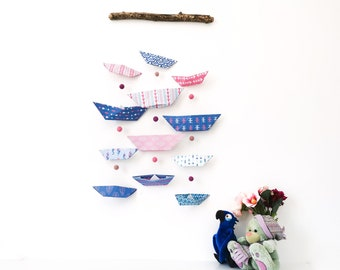 Mobile BATEAUX pink and purple mural - Leewalia - interior decoration - baby child's bedroom - origami folding - birth - wall decoration
