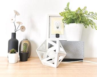 Small white Origami lamp - Leewalia - bedside lamp - booster lamp - design lamp - graphic lamp - geometric lamp