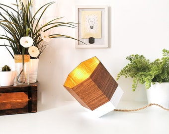 SPOT oak and white lamp - Leewalia - table lamp - bedside lamp - lighting design - interior decoration - geometric
