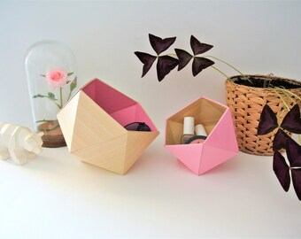 origami boxes plain wood and light pink