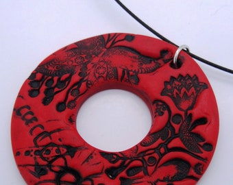 Boho vintage necklace, made in Germany, Donut, red, Circle, Circel, romantic