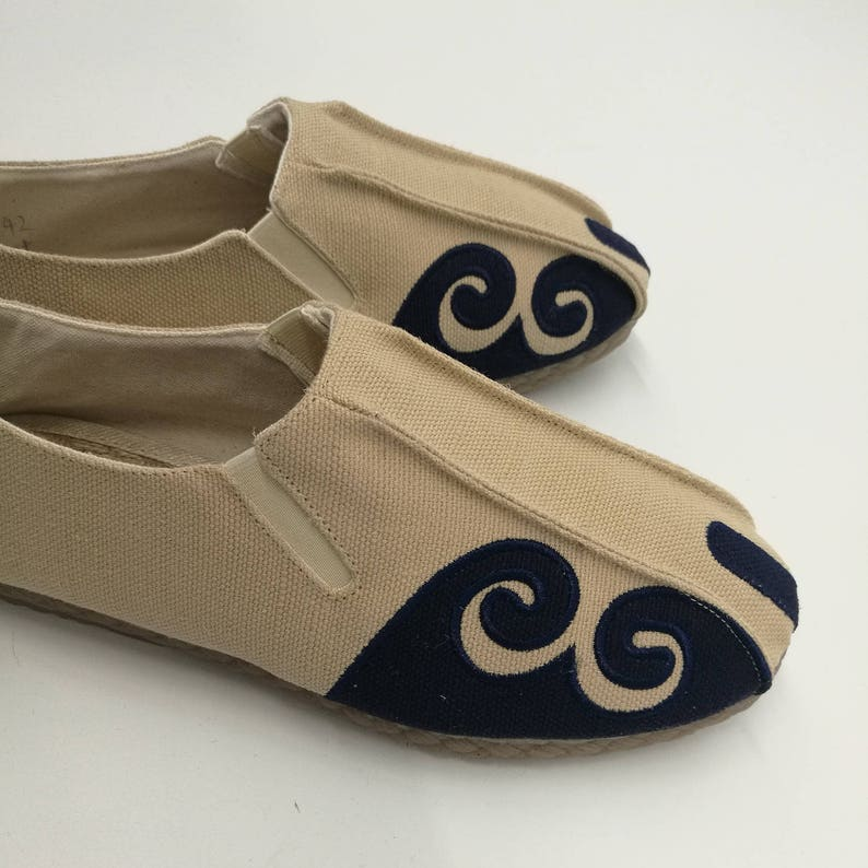 ec7228f9e00f2 Asian Style Pure Color Natural Canvas Shoes