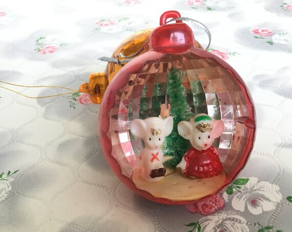 Vintage red plastic diorama Christmas decoration with mice, 1970s Christmas tree ornament, bottle brush bauble, mid century Xmas