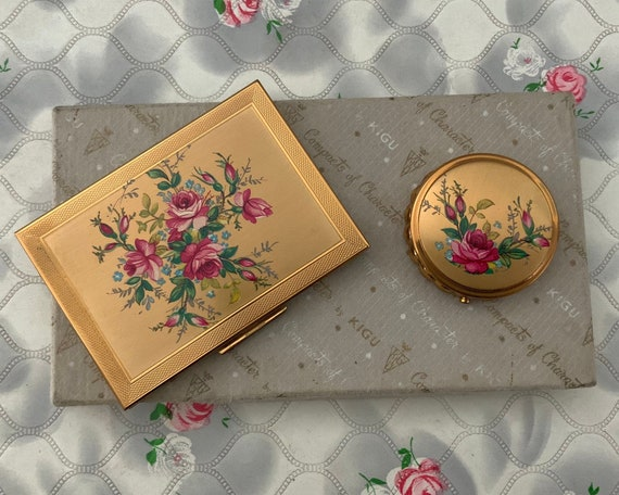 Kigu cigarette case and mini ashtray with pink roses, 1950s or 1960s vintage smoking accessories box set