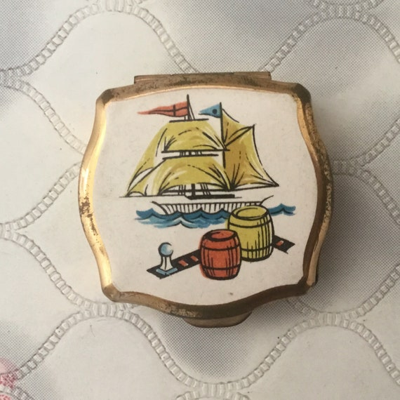 Stratton Ladies portable mini ashtray, with sailing ship, vintage 1960s or 1970s travel accessory for handbag or pocket with galleon