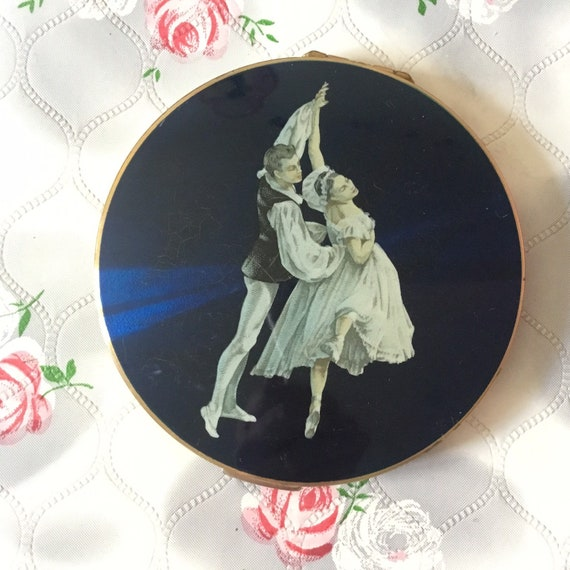 Stratton ballet powder compact with ballet dancers by Cecil Golding, vintage large flapjack ballerina makeup mirror c 1950s