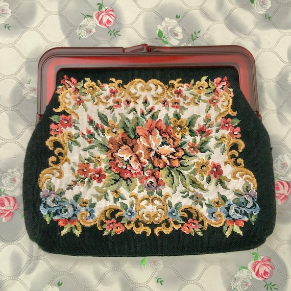 Tapestry clutch bag with flowers with brown plastic frame, vintage black and pink floral purse