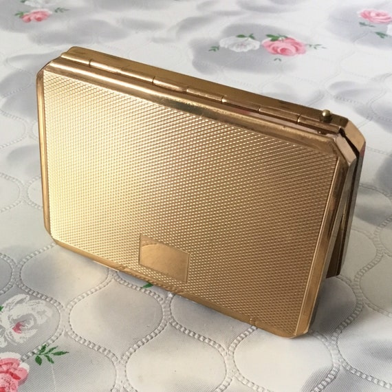 Stratton slab loose powder compact, c 1950s vintage gold tone handbag accessory makeup mirror