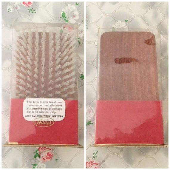 Men's Addis wooden hairbrush, unused in original box, 1960s vintage gentlemen's grooming brush