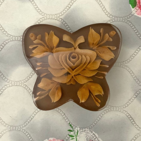 Reverse carved lucite butterfly brooch, brown with rose c 1950s, vintage mid century plastic jewellery