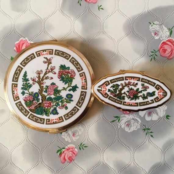 Vintage 1970s Stratton powder compact and lipview set, matching lipstick holder and mirror set, 1980s makeup mirrors set