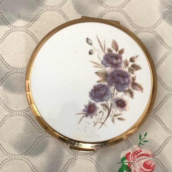 Vintage Stratton convertible powder compact with a lilac roses, 1970s or 1980s makeup mirror