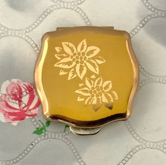 Stratton yellow mini ashtray with gold flowers, ladies vintage c 1960s or 1970s handbag travel ashtray