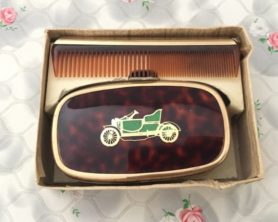 Men's hairbrush and comb set, faux tortoise shell and green classic car, mid-century vintage gentlemen's grooming set