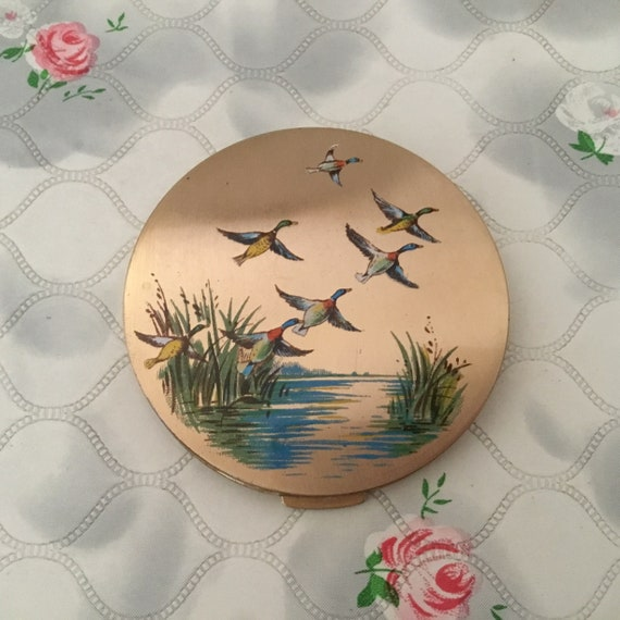 Stratton loose powder compact, with flying ducks, c1950s vintage collectible makeup mirror with water birds
