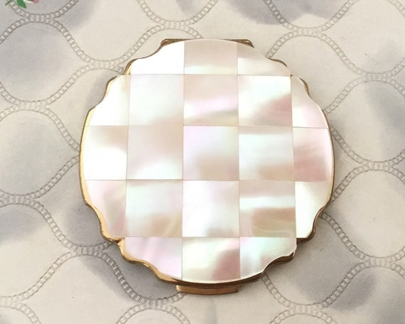 Stratton petite loose powder compact with mother of pearl lid, vintage 1950s or 1960s makeup vanity mirror