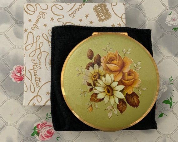 Kigu powder compact, green gold with pink roses, c 1960s vintage makeup mirror for loose or solid powder compact