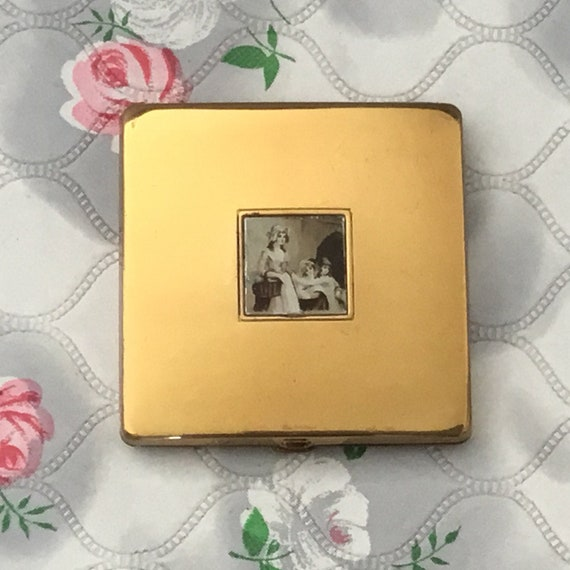 Yardley vintage square powder compact, gold tone with the lavender sellers