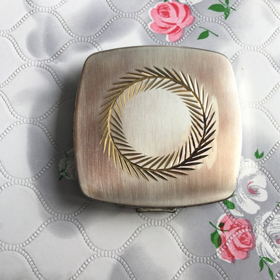 Regent of London loose powder compact, c 1960s, vintage gold tone makeup mirror