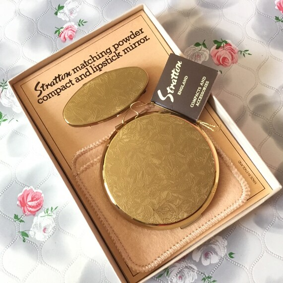 Stratton powder compact and lipview set, vintage gold lipstick holder, 1990s boxed makeup and lip mirror gift set,