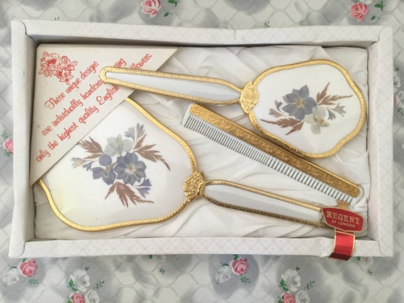 Regent of London gold and white vanity set with hand mirror, hairbrush and comb, unused dressing table set with English dried flowers
