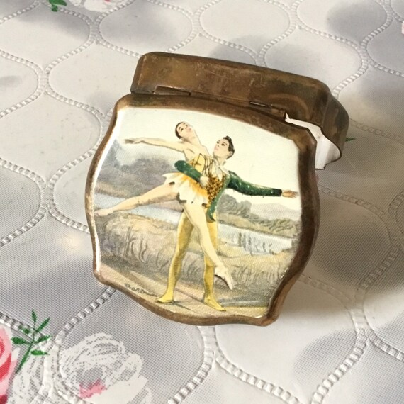 Ballerina Stratton ladies pocket mini box with ballet dancers, vintage 1960s or 1970s portable handbag pill pot