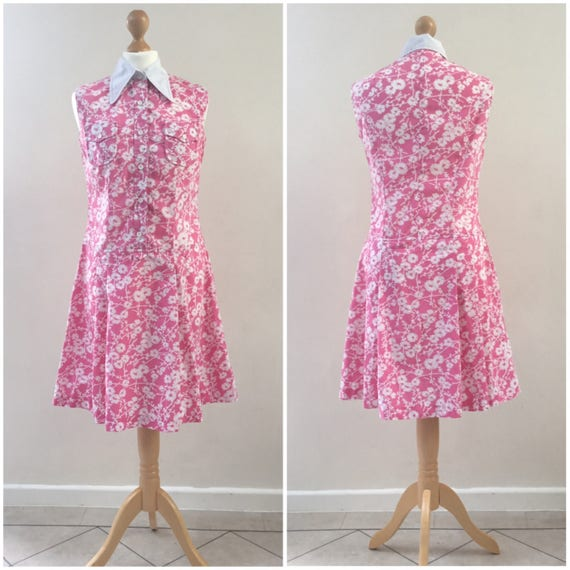 Vintage pink and white sleeveless mod dress, c1960s or 1970s, a shirt dress with daggar collars