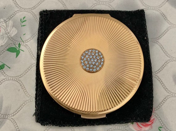Stratton small loose powder compact, gold-tone with diamontes, vintage 1950s or 1960s makeup mirror