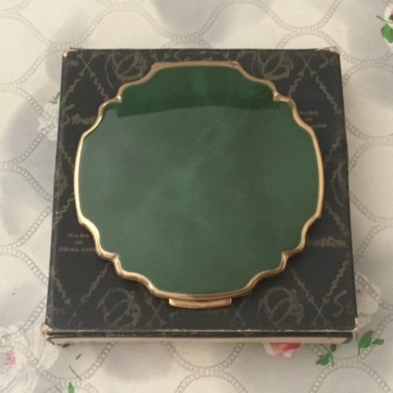 Stratton petite loose powder compact with green marbled lid, vintage 1950s or 1960s makeup vanity mirror