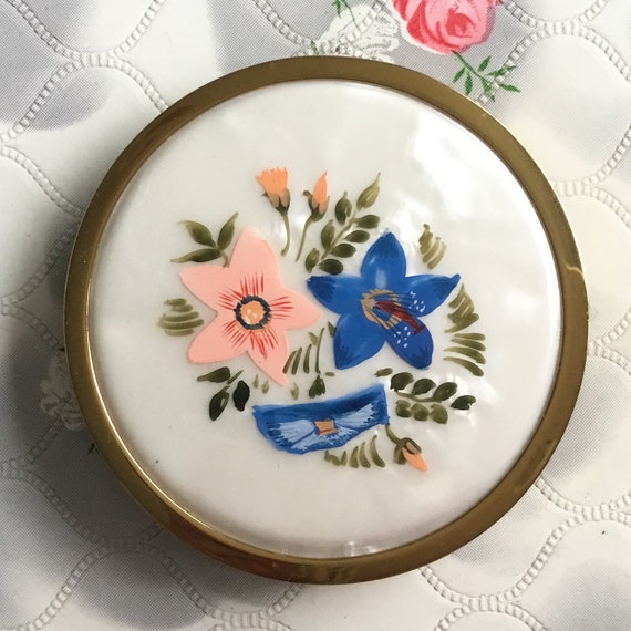 Mascot ASB compact for loose and cream face powder, c 1970s handbag makeup mirror with mother of pearl effect vinyl and flowers