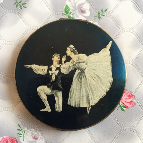 Stratton ballet powder compact with ballet dancers by Cecil Golding, vintage ballerina makeup mirror c 1950s