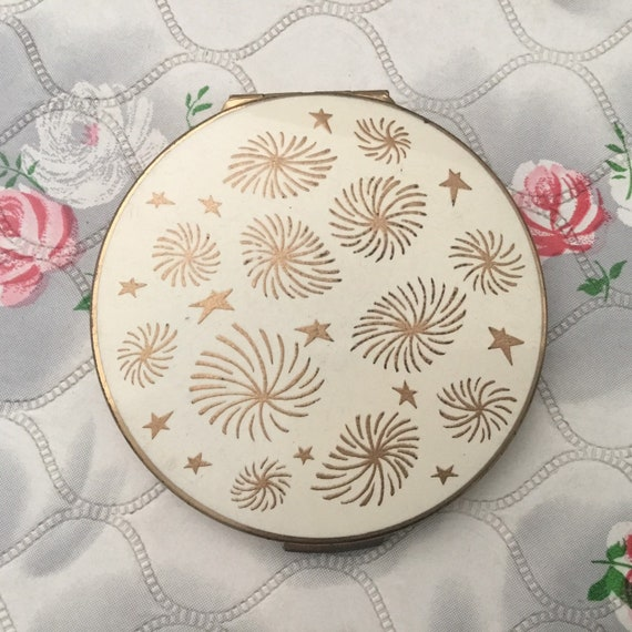 Stratton small loose powder compact with cream lid and gold stars, vintage 1950s or 1960s makeup vanity mirror